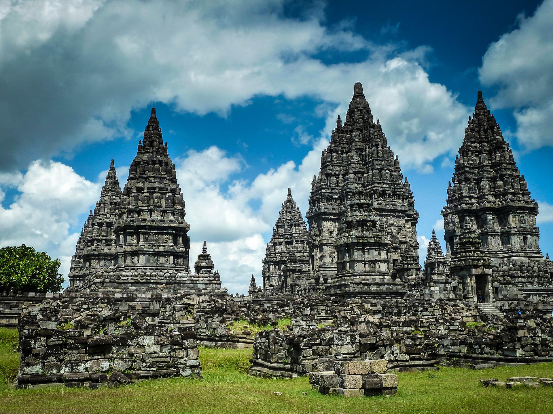Voyage à pied : Prambanan: balade au coeur de l\'hindouisme javanais