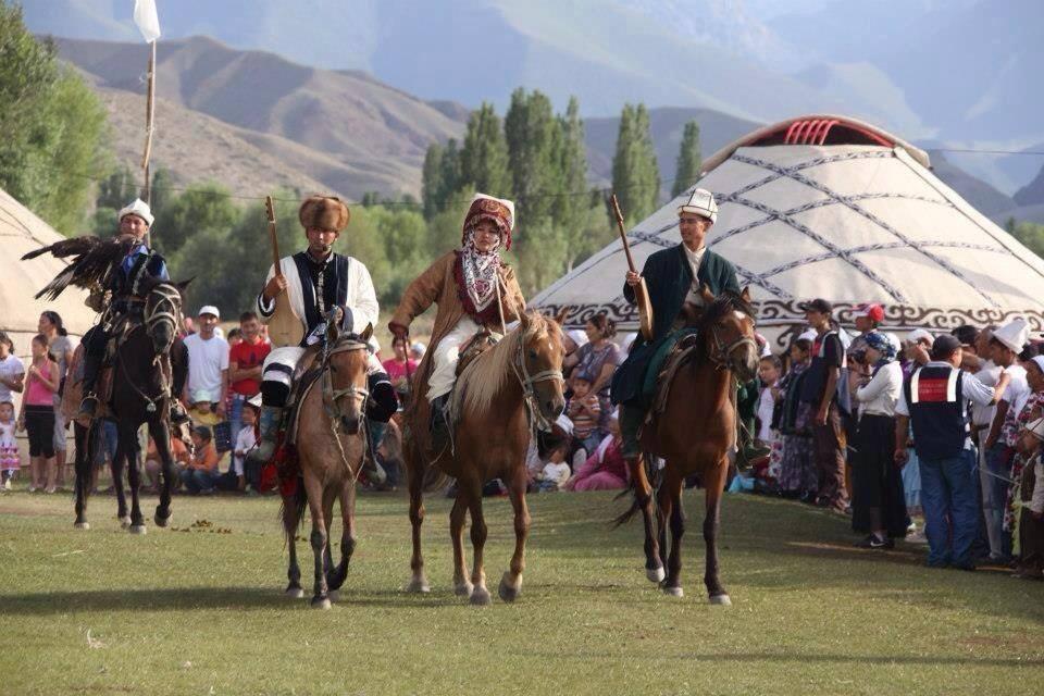 Voyage à pied : Entre tradition et culture, le nouvel an kirghize