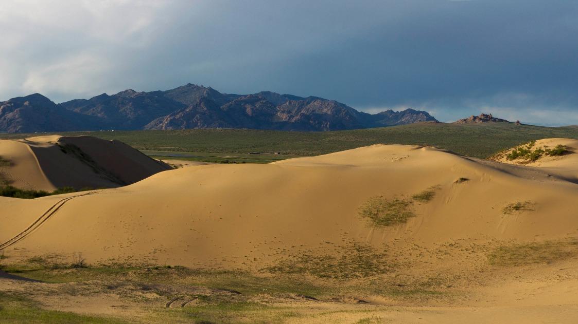 Voyage à pied : Farandole de paysages mongols