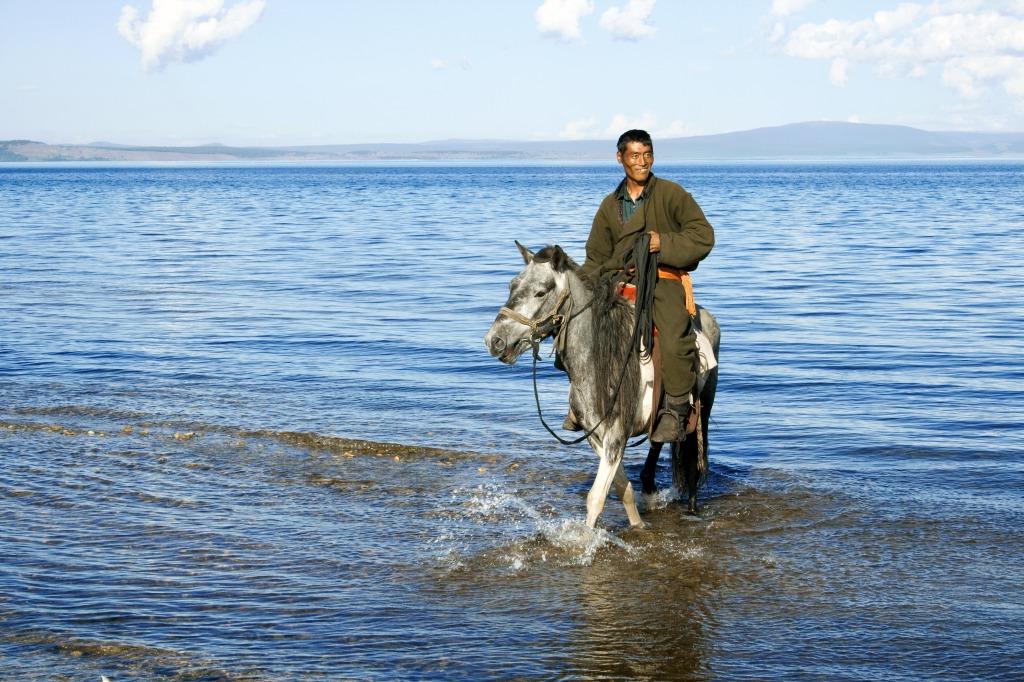Voyage à pied : Aventures du grand lac bleu de mongolie